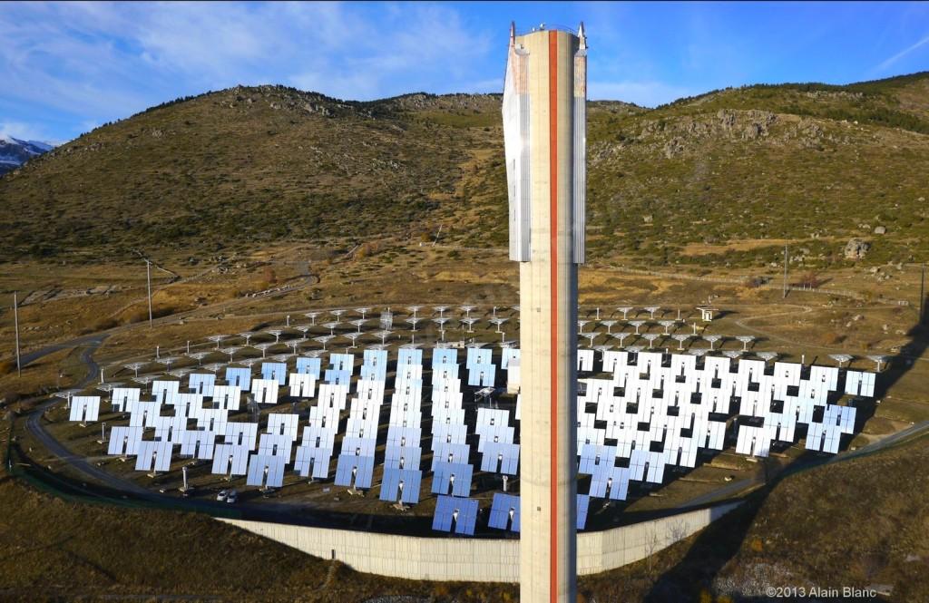 la centrale solaire de Thémis près de Targassonne - Pyrénées