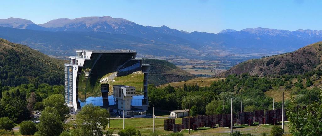 Four solaire Odeillo CNRS FRANCE