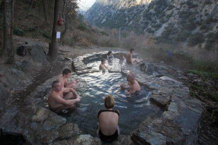 vasque naturelle d'eau chaude