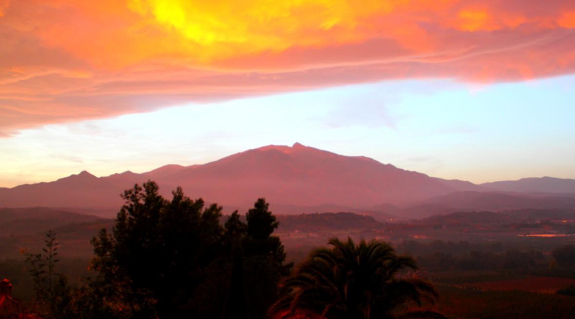 canigou pyrenees sunrise