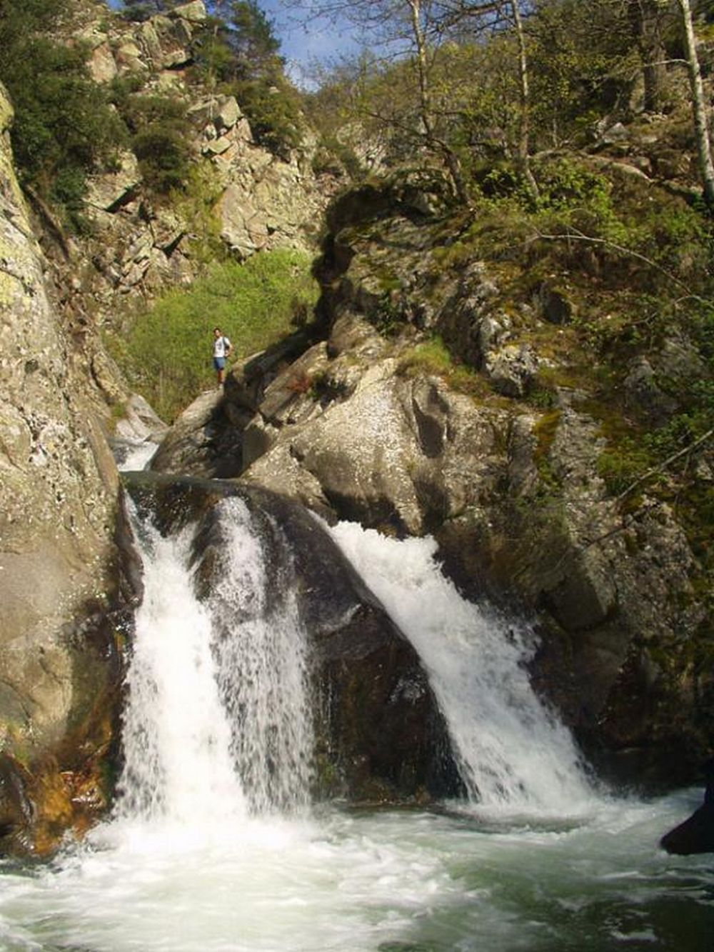 Piscines naturelles et cascades dans les pyr n es casa - Office de tourisme de vernet les bains ...