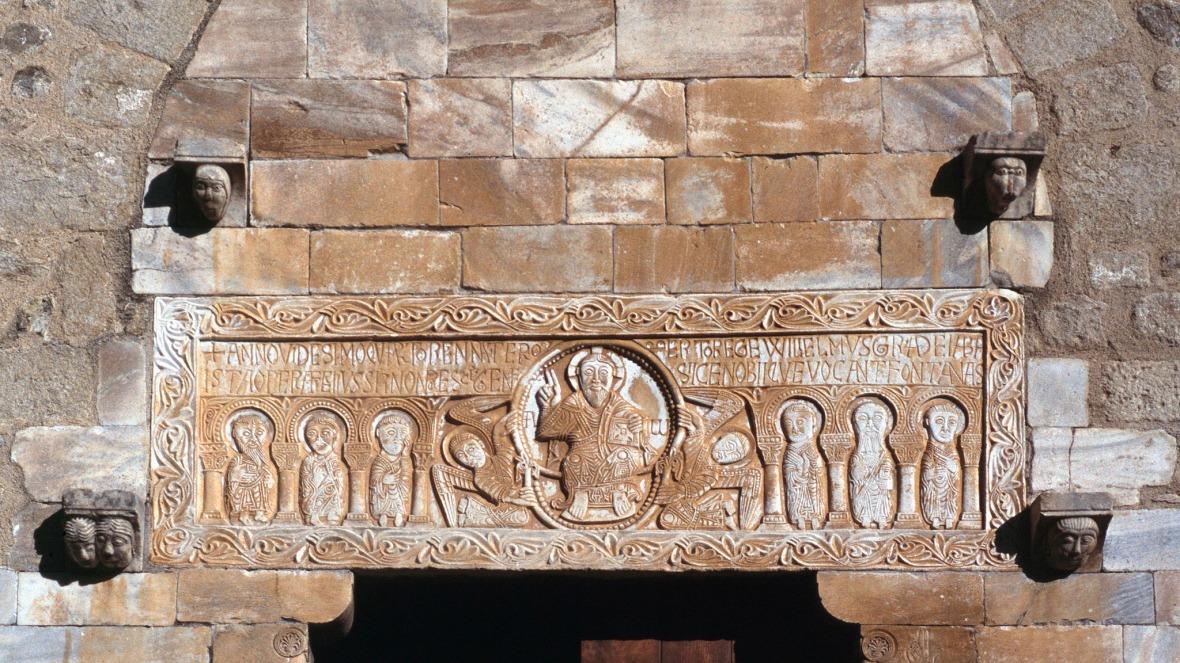 eglise saint genis des fontaines