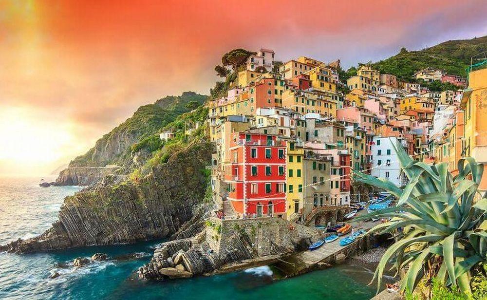 Riomaggiore top20 villages of the world