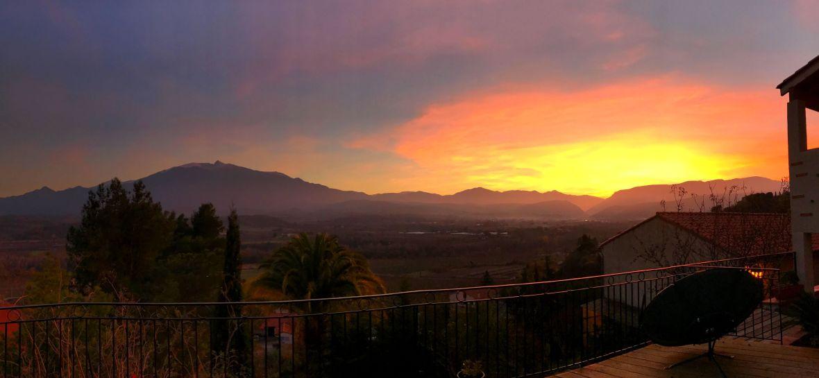 sunset canigou pyrenees orientales.jpg