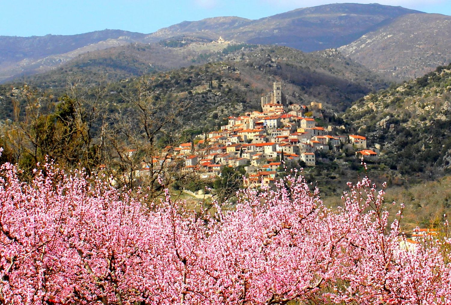 Eus, un des plus beaux villages en Pays Catalan - Occitanie Catalunya