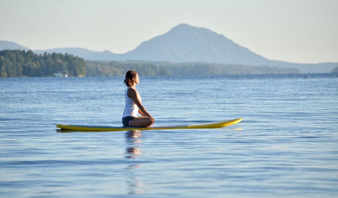 yoga paddle lac montagne