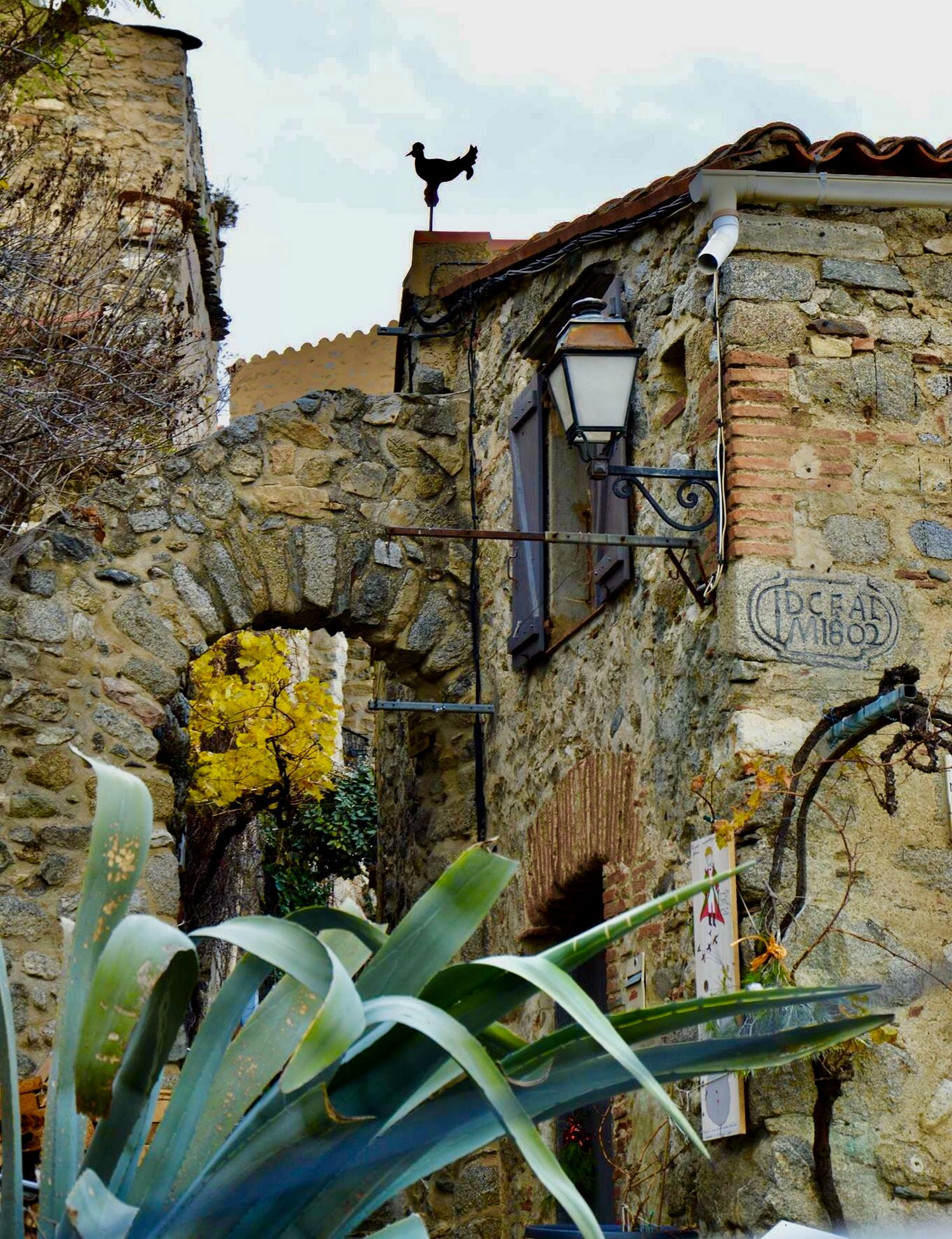 ruelles pittoresques du village d'Eus en pays catalan Occitanie - France