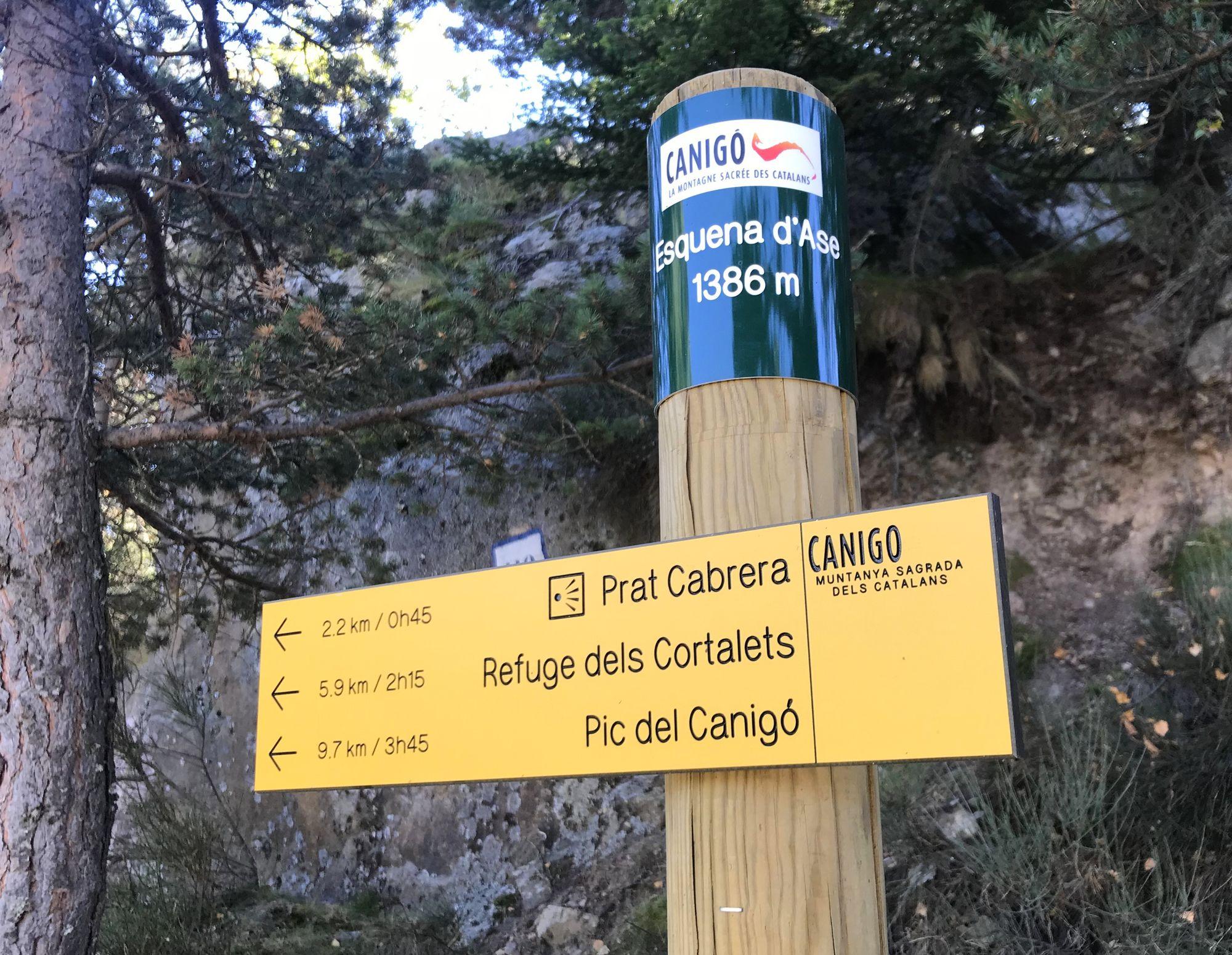 Parking Esquena d'Ase - 6km des Cortalets - 10Km du pic