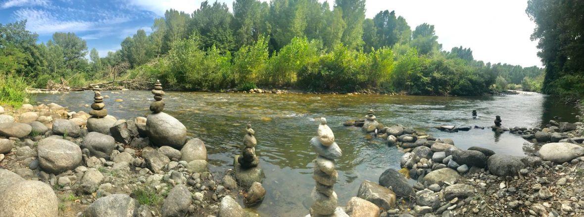stone balance pyrenees montagne eus
