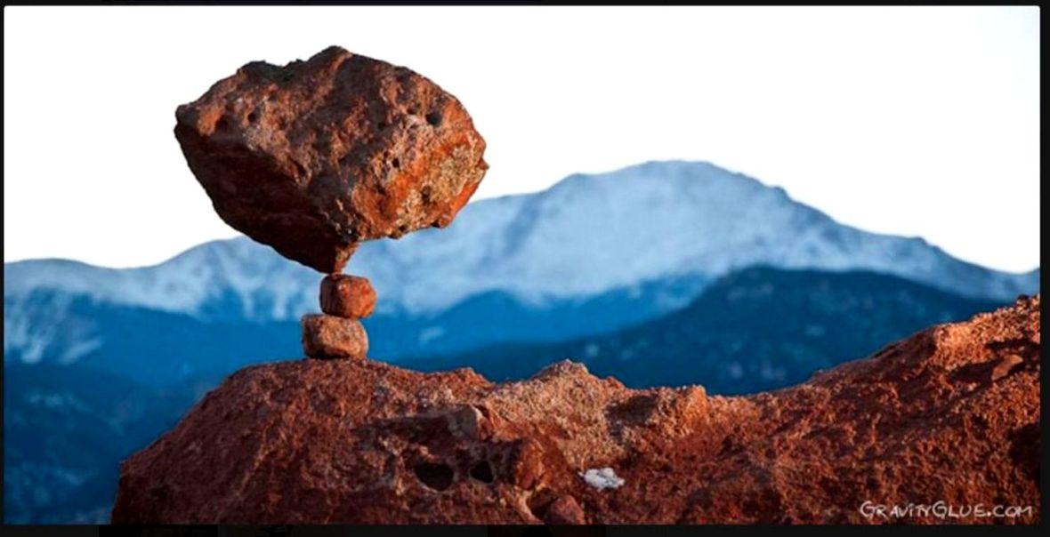 pratique stone balancing empilement de cailloux kairn