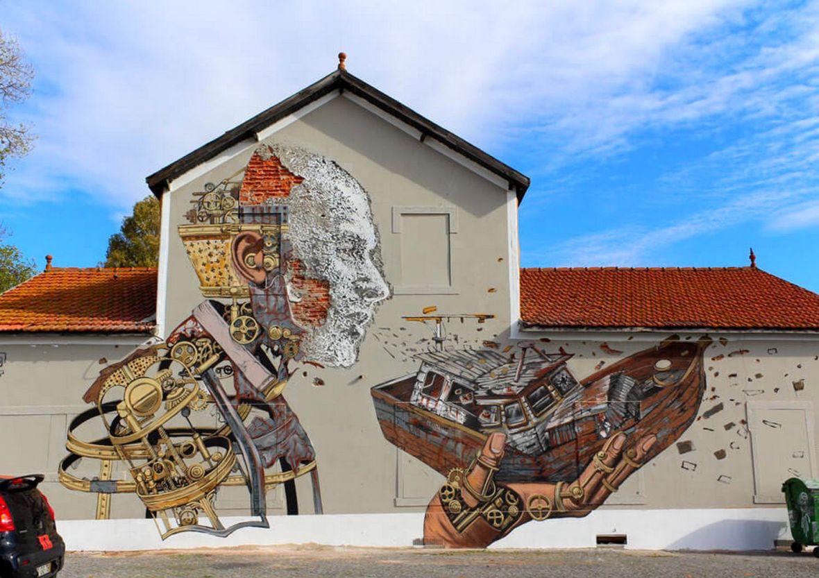 Mur de Vhils et Pixel Pancho pres de la gare Santa Apolonia