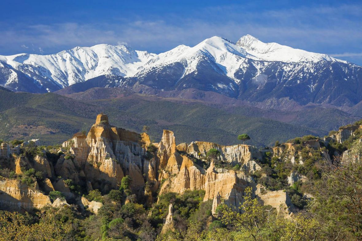 desert pyrenees ille orgues falaises