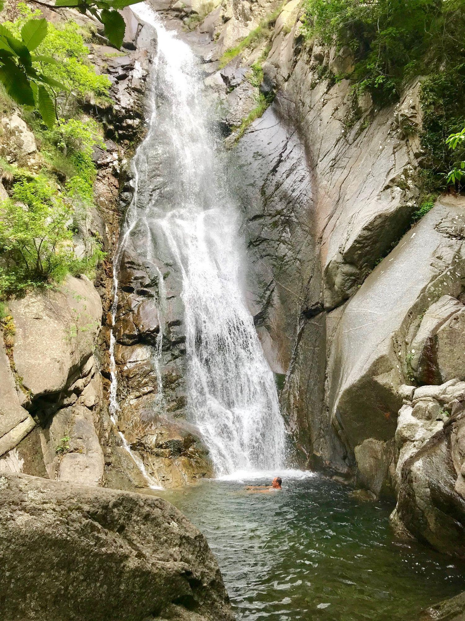 grande cascade de Taurinya massif du canigou fillols col de milleres baignade montagne