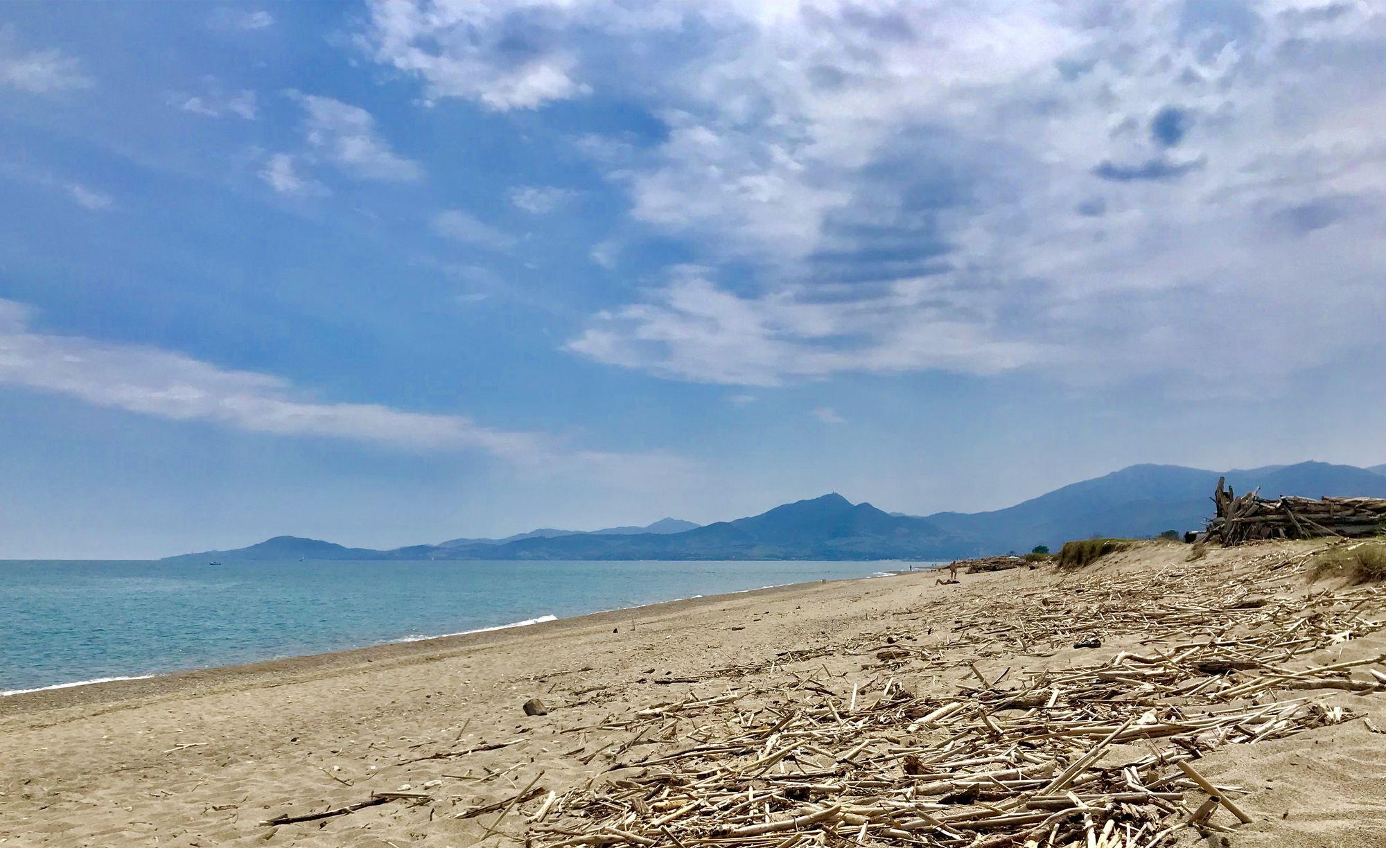 plage déserte sauvage proche perpignan argeles