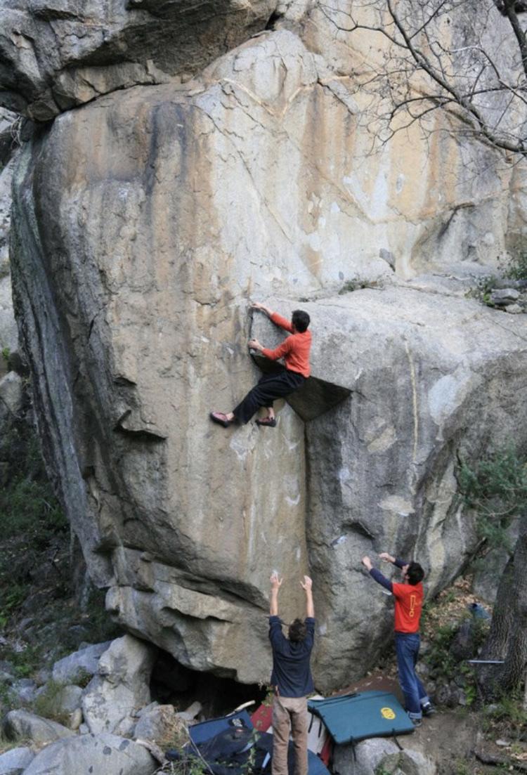 escalade sur bloc eus 66 bouldering pirineu