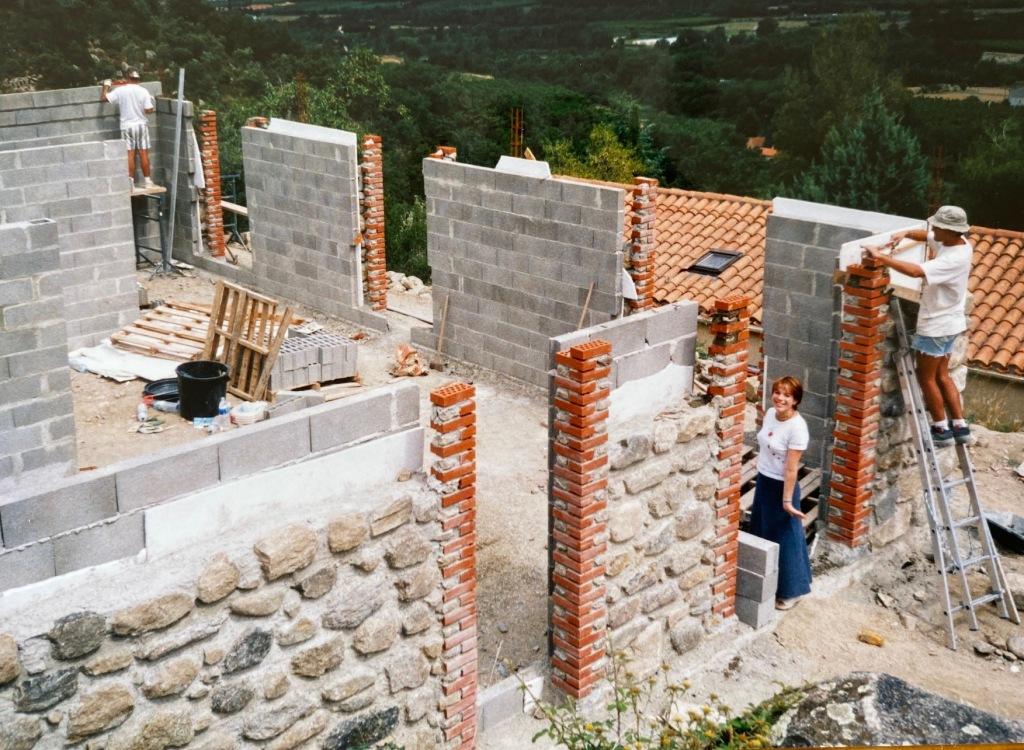 autoconstruction ecologique mas pierre catalan maison pyrenees