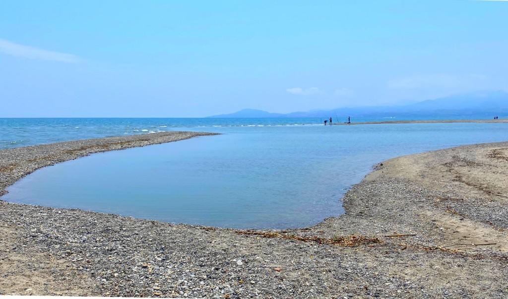 le bocal du tech entre saint cyprien et argelès sur mer. plage sauvage et naturiste