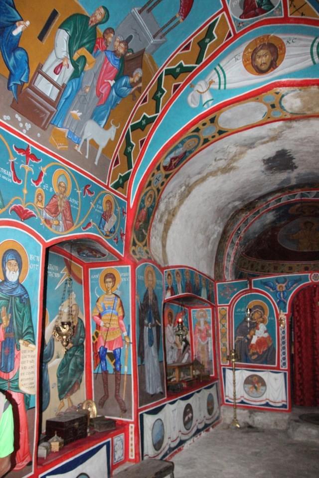Chapelle petit ermitage orthodoxe canigou cassien clara méditation contemplation
