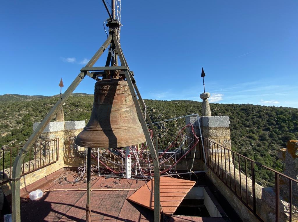 clocher eglise eus village