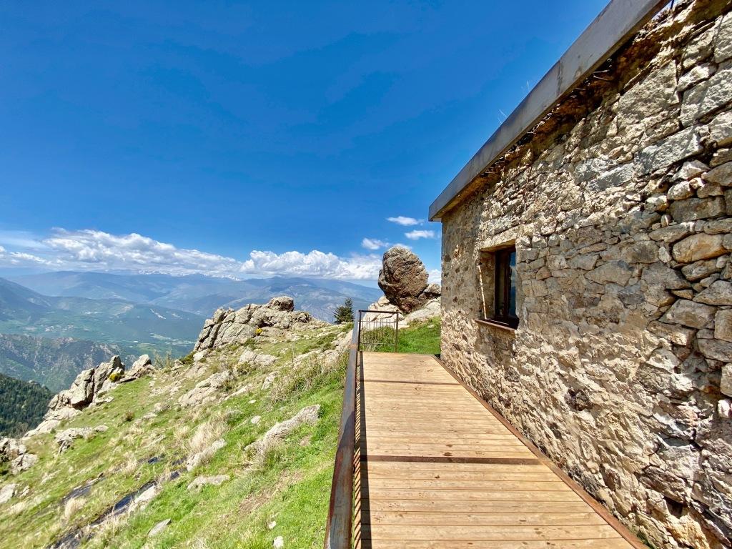terrasse en fer du refuge de bonaigue