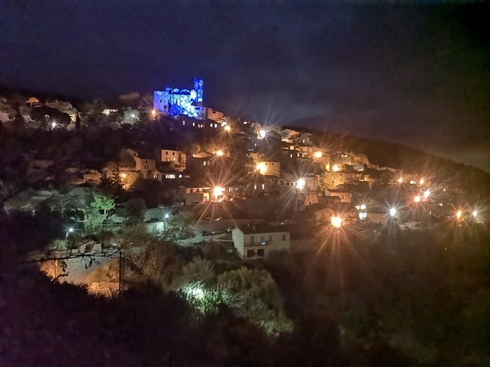 le village d'eus à noel illumination et projection video