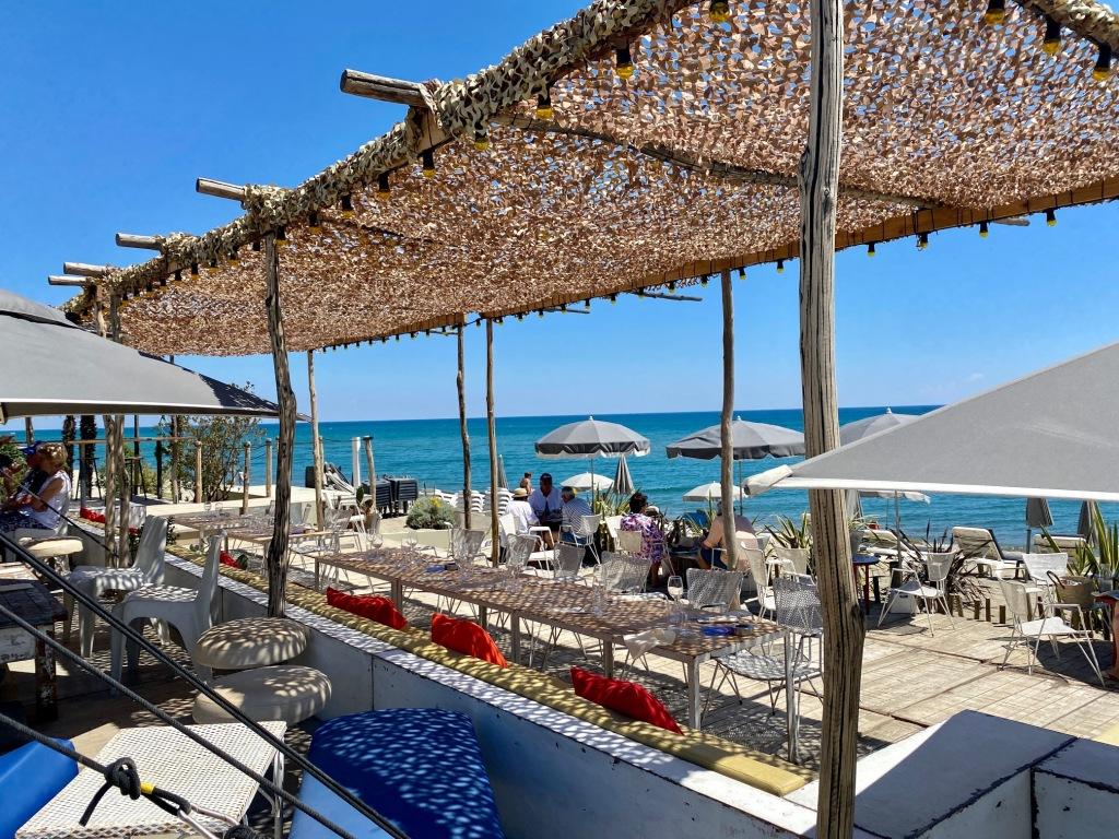un des plus beaux restaurant club de plage du 66 11 cote catalane zaza club torreilles